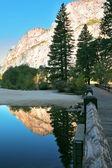 Zdenka řeka v kalifornii. — Stock fotografie