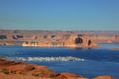 Port for white yachts on Lake Powell — Stock Photo