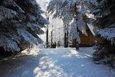 Zasněžené lyžařské hotel — Stock fotografie
