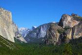 The white rocky monolith El-Captain — Stock Photo