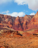 Scenic red rock desert — Stock Photo