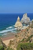 Costa de portugal. las rocas, similares a la del helado. — Foto de Stock