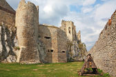 Battering-ram in a medieval citadel — Stock Photo