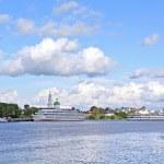 Motor ship on pier — Stock Photo
