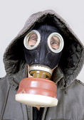 Man dragen van een gasmasker — Stockfoto