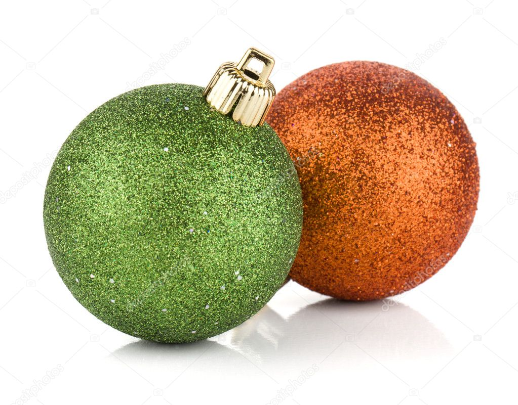 Two christmas balls: green and orange. Isolated on white background — Stock Photo #8419404