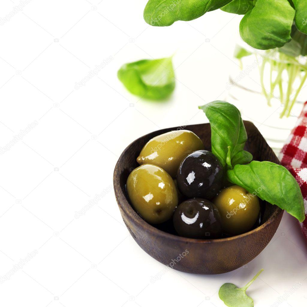 Оливки или маслины в чём разница и польза? Разновидности 15