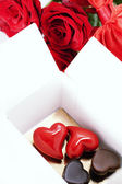 Red roses and hearts for Valentine's Day — ストック写真