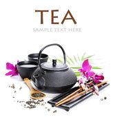 Yeşil çay ve yemek çubukları — Stok fotoğraf