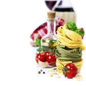 İtalyan pasta ve şarap — Stok fotoğraf