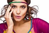 Retrato de una bella mujer casual vestido colorido — Foto de Stock