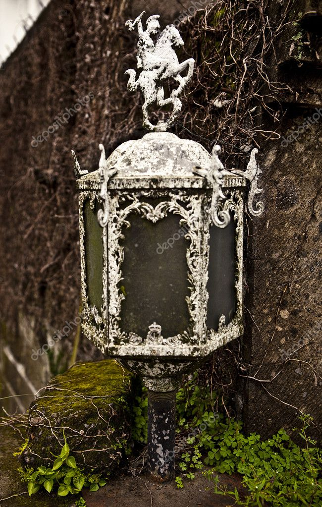 Old lamp — Stock Photo #9111330