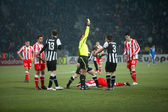 Kostas stafilidis ha ricevuto un cartellino giallo — Foto Stock