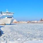 Helsinki seaport in winter — Stock Photo