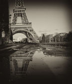 Black and White view of Eiffel Tower in Paris — Stock Photo