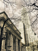 Public Library and Skyscrapers of New York City in Winter — Stock Photo