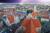 Burza zbliża się w monachium, niemcy — Zdjęcie stockowe