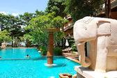 Swimming pool at the popular hotel, Pattaya, Thailand — Stock Photo