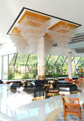 The luster at the lobby of luxury hotel, Pattaya, Thailand — Foto Stock