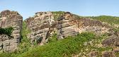 Panorama över meteora med heliga kloster av varlaam på den till — Stockfoto