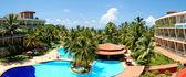 The panorama of swimming pool at luxury hotel, Bentota, Sri Lank — Stock Photo