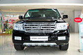 KIEV - SEPTEMBER 11: Toyota Land Cruiser at Yearly automotive-s — 图库照片