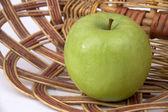 Green apple. — Stock Photo