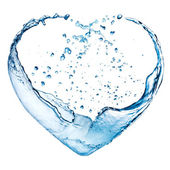 Valentine hjärta gjort av blå vattenstänk isolerade på vit baksida — Stockfoto