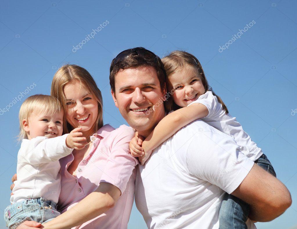 Фото красивых семей с детьми