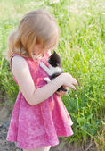 Little girl with cat — Stock Photo
