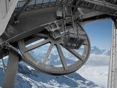 механизм подъемника для лыжников, в горах — Стоковое фото