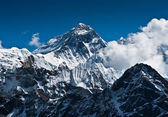 Everest Mountain Peak - the top of the world — Stock Photo