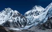 Peaks not far Gorak shep and Everest base camp — Stock Photo