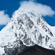 Pumo ri and Kala Patthar mountains in Himalayas — Stock Photo