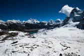 View from Renjo Pass: Everest Mt. and Gokyo lake — Stockfoto