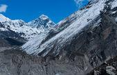 эверест или джомолунгмы: высокий пик в мире — Стоковое фото