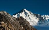 на вершине гокио ри: пики и облака — Стоковое фото