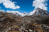 Peaks and moraine near Gokyo in Himalayas — Stock Photo