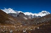 Cho oyu peak and mountain ridge in Himalayas — Stock Photo