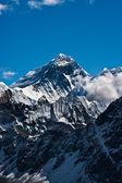 珠穆朗玛峰山顶或 chomolungma-顶级的世界 — 图库照片