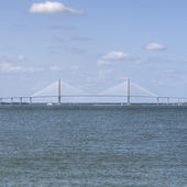 Ocean Landscape with Ravenal Bridge in Charleston, SC — Stock Photo
