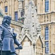 Oliver Cromwell statue at London, England — Stockfoto