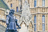 Oliver Cromwell Statue in London, england — Stockfoto