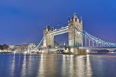 Tower bridge em londres, inglaterra — Foto Stock
