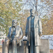 ������, ������: Statue of Karl Marx and Friedrich Engels at Berlin Germany