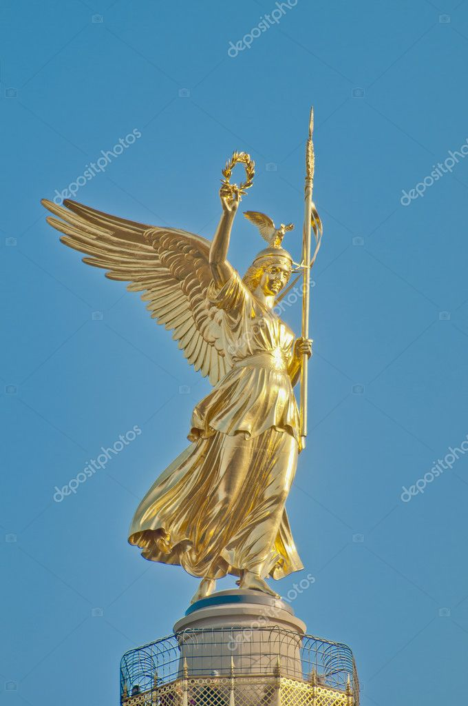 The Siegessaule is the Victory Column located on the Tiergarten at Berlin, Germany — Stock Photo #10175567