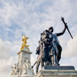 Queen Victoria Memorial at London, England — 图库照片