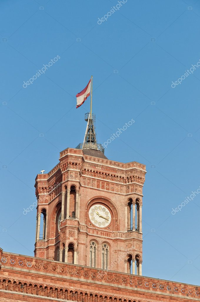 The Rotes Rathaus (Red City Hall) is the Berlin Senate seat at Germany — Stock Photo #10222335