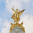 Queen Victoria Memorial at London, England — Stockfoto