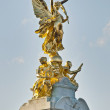Queen Victoria Memorial at London, England — Stock Photo #9862060